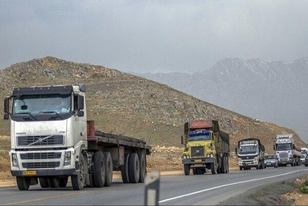 کامیون های سه سال کارکرده تا رفع ابهام ترخیص نخواهند شد