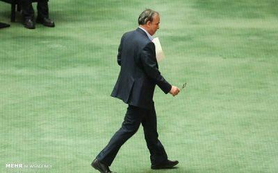 نظارت میدانی وزیر صمت بر ترخیص کالاهای اساسی از بندر شهید رجایی