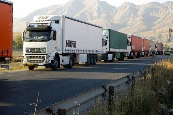گمرک خواستار تسریع در ترخیص کامیون های وارداتی شد