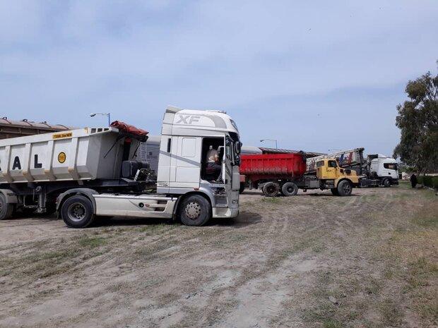 رسوب ۳۶۴۳ دستگاه کامیون وارداتی در گمرک
