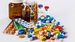 ممنوعیت ورود داروی بدون مجوز را از متولی آن پیگیری کنید، نه گمرک!